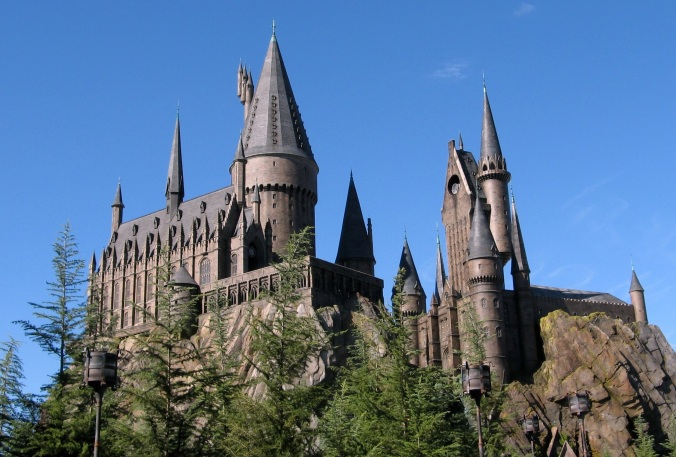 http://upload.wikimedia.org/wikipedia/commons/c/c4/Wizarding_World_of_Harry_Potter_Castle.jpg