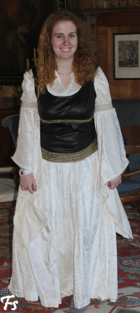 Eowyn's Shieldmaiden Dress Costume Notes by Karina